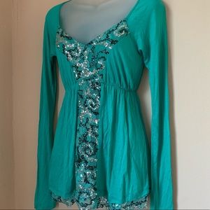 Buckle Daytrip Green Sequin Front Top or Tunic